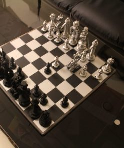 Металлические шахматы в стиле стимпанк.