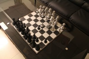 шахматы из металла