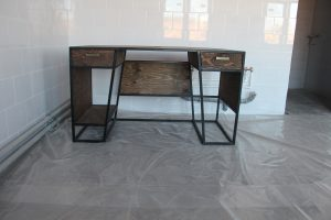 Дизайнерский письменный стол