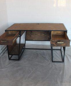 Рабочий стол в стиле лофт