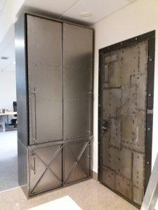 шкаф из стали лофт