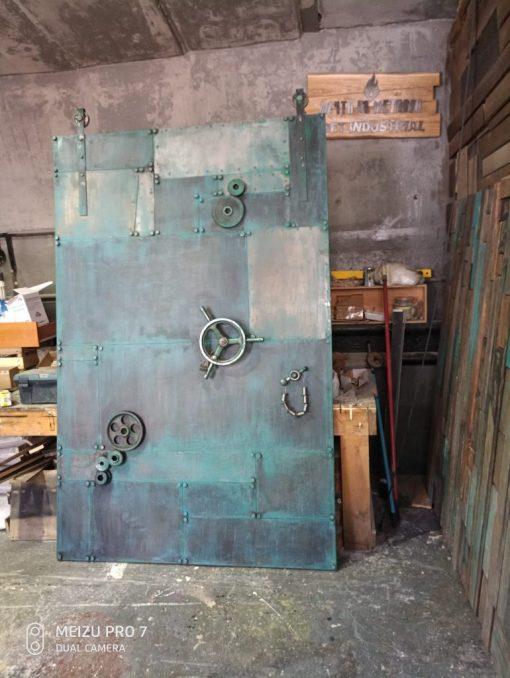 ambarnaya-dver