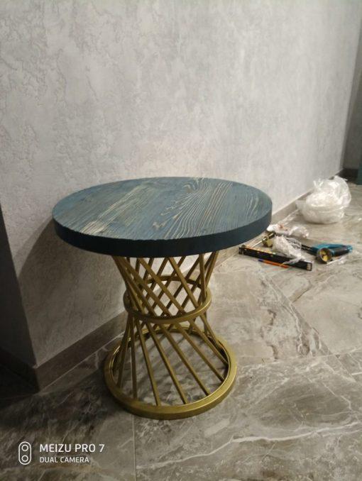 журнальнальный стол в стиле лофт