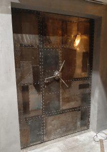авторская двери из металла