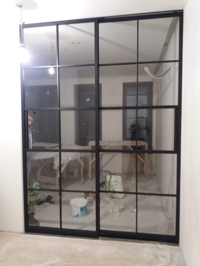 перегородка со совиными дверьми