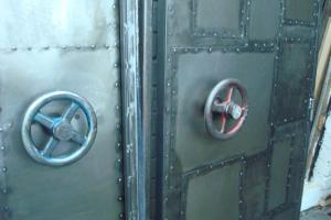 авторские-двери-в-стиле-лофт-на-заказ