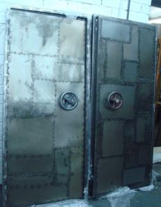 лофт-двери-из-металла