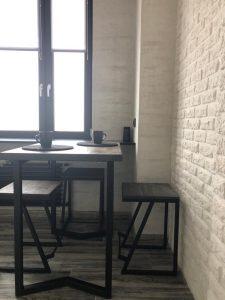 обеденный-стол-в-стиле-лофт-1