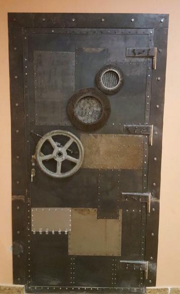 входная-дверь-в-лофт-стиле