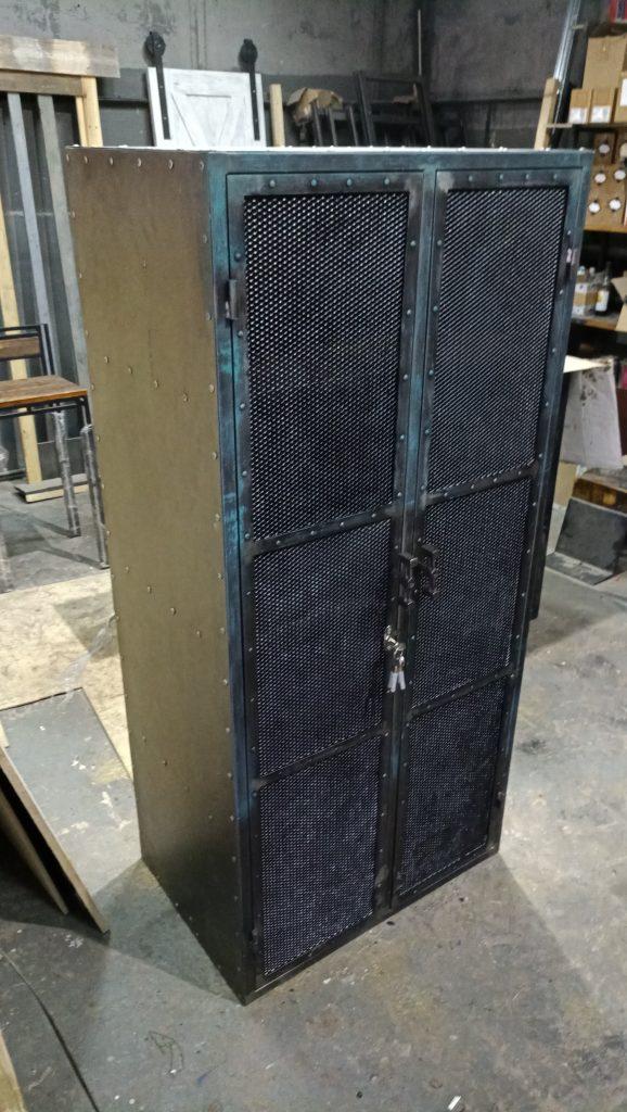 шкаф в стиле индастриал