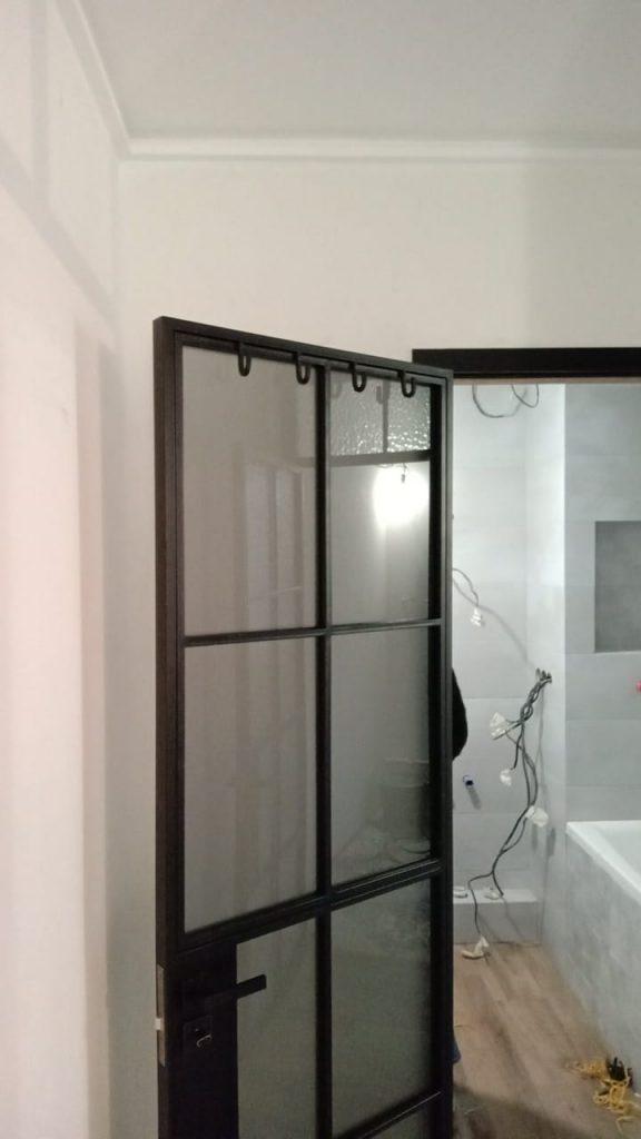 Двери и перегородки в ванную комнату